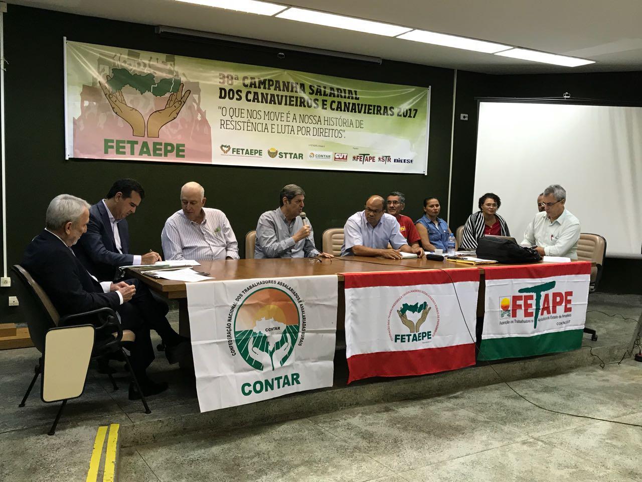 Na Superintendência Regional do Trabalho de Pernambuco, Renato Cunha, Presidente do SINDAÇÚCAR/PE, participando da negociação do Dissídio do Trabalhador Rural, hoje, dia 10/outubro/2017