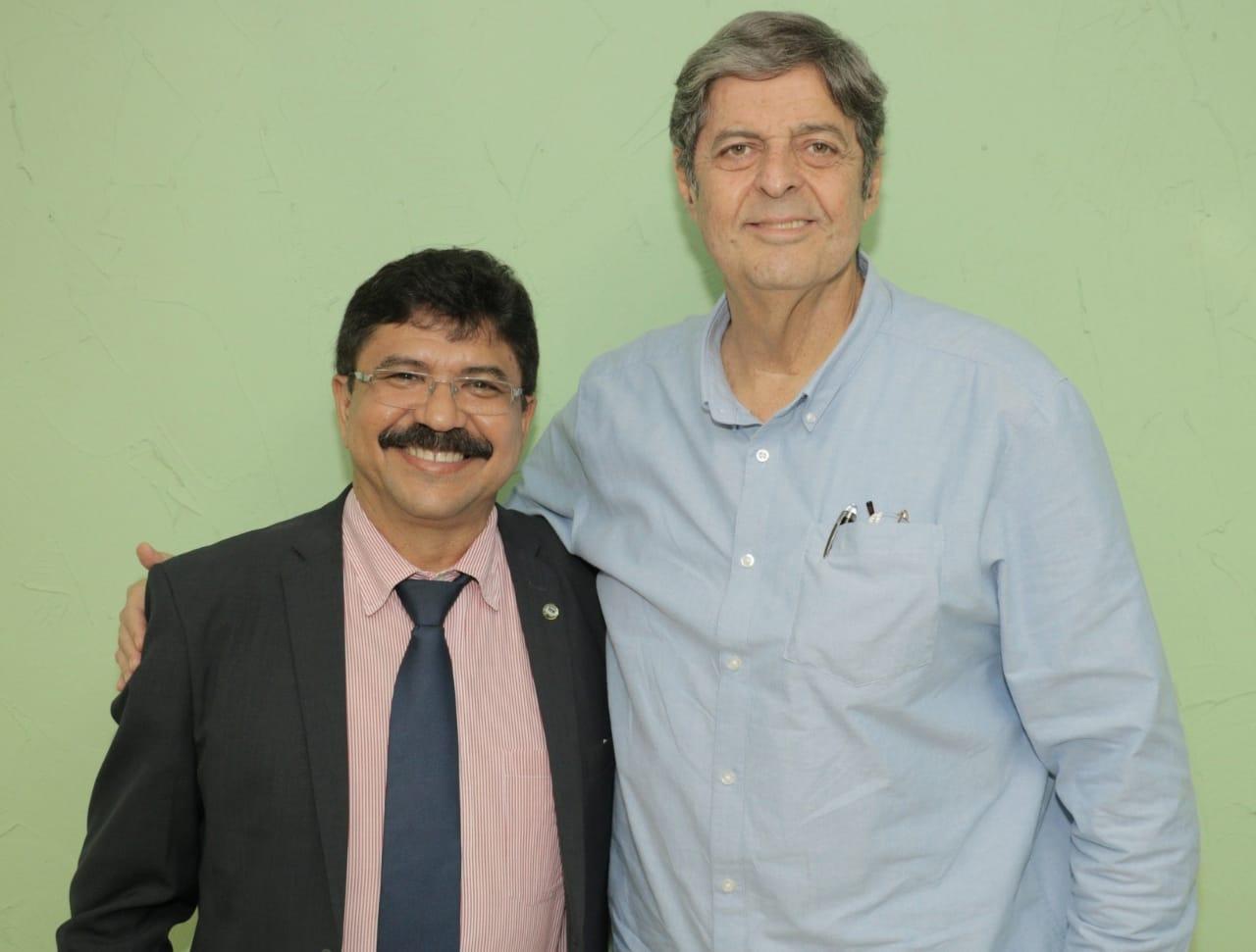 Na sede do SINDAÇÚCAR/PE, o Presidente Renato Cunha recebe o Deputado Estadual Antônio Fernando, a fim de tratar sobre o canal do Sertão em Ouricuri/PE,</br> para implantação de polo sucroenergético no oeste pernambucano, dia 20/fevereiro/2019