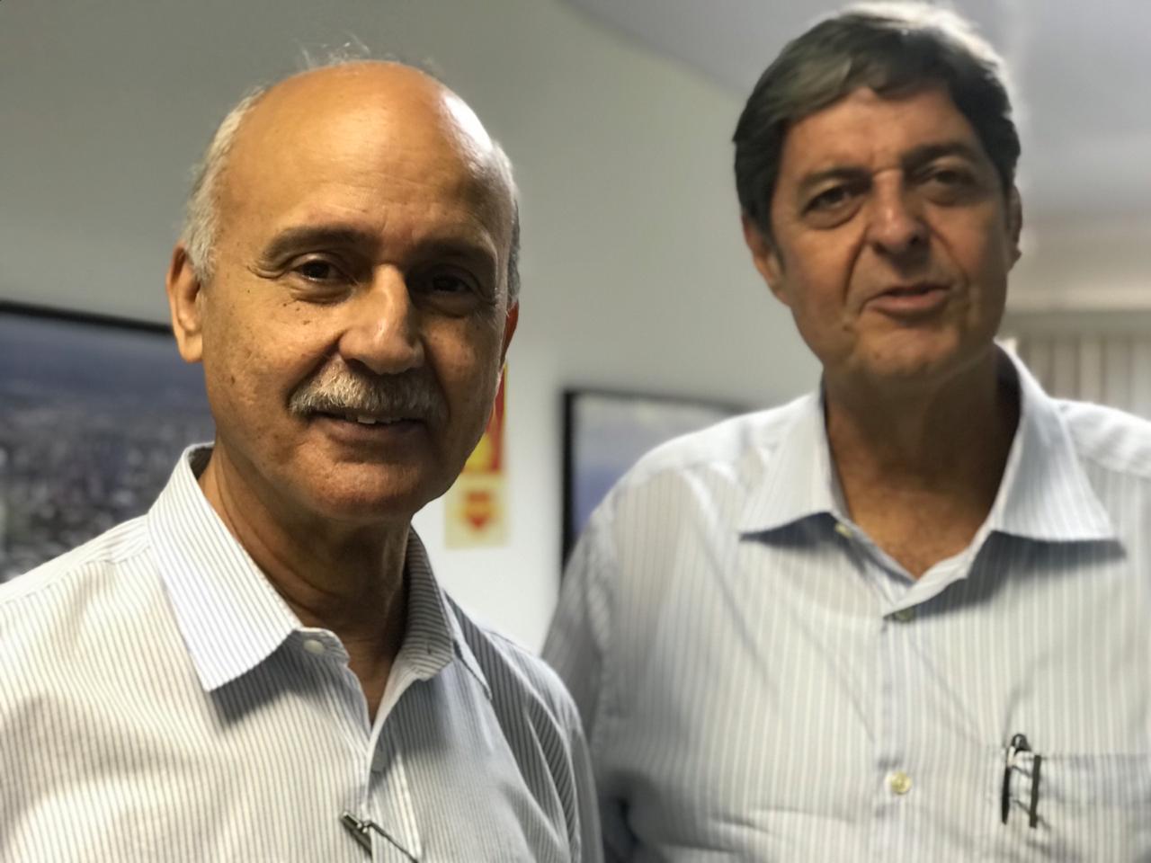 No Auditório da sede do SINDAÇÚCAR/PE, o Presidente Renato Cunha recebe Pedro Robério do SINDAÇÚCAR/AL e outras representações do setor,</br> para a fundação da Associação de Produtores de Açúcar, Etanol e Bionergia - NOVABIO, dia 01/abril/2019