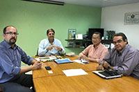 Renato Cunha, Presidente do SINDAÇÚCAR/PE, Mik Lu, Diretor da RENEW CO2, Emerson Coutinho, da GEOFLORESTAS e Pedro Cavalcanti, da MULTI EMPREENDIMENTOS, em reunião sobre Biocombustíveis no SINDAÇÚCAR, dia 04/maio/2017